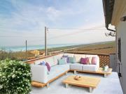 SENIGALLIA: Primissima collina, appartamento con ingresso indipendente di mq. 40 circa + mq. 30 terrazzo con vista sul mare + soffitta - EURO 80.000,00 !!!