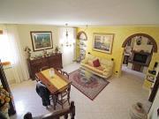 CIELO-TERRA A SENIGALLIA: Roncitelli, cielo-terra di mq 128 su due livelli (soggiorno, cucina, tre camere, due bagni) + piccola soffitta, taverna mq. 48, garage e corte mq. 32. € 240.000,00