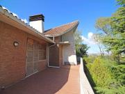 VILLA A SENIGALLIA: Zona Filetto, villa di mq. 180 con porticato, garage e ampio parco - MOLTO BELLA. € 500.000,00.