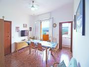 APPARTAMENTO A SENIGALLIA: Cesano, Lungomare di Ponente, terzo piano, mq. 75 (soggiorno, cucinino, 3 camere, 2 bagni) + balconi e autorimessa - euro 210.000,00