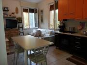 APPARTAMENTO A SENIGALLIA: Zona Saline, trilocale mq. 65 (soggiorno/cucina, 2 camere, 2 bagni) + balcone, cantina, garage e corte esclusiva - RISTRUTTURATO NEL 2008