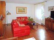 APPARTAMENTO A SENIGALLIA : In zona Piano Regolatore appartamento di mq 120 al primo piano con soggiorno, cucina, tre camere, bagno + due garage. € 240.000,00