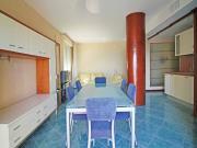 APPARTAMENTO A SENIGALLIA: Cesano, frontemare, secondo piano, mq. 100 (soggiorno/angolo cottura, 2 camere, 2 bagni) + terrazzo vista mare e garage - Eu 280.000,00