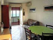 APPARTAMENTO A MAROTTA : Fronte mare trilocale ( cucinino, soggiorno, camera matrimoniale, cameretta, bagno) panoramicissimo al sesto piano con garage. € 100.000.