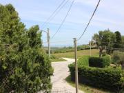 CASA A SENIGALLIA: Prima collina, casa singola con due appartamenti di mq 94 ognuno + soffitta mq. 94, garage mq. 94 e terreno agricolo.