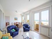 APPARTAMENTO A SENIGALLIA: Lungomare Mameli, fronte mare con bellissima vista, mq. 105 al primo piano (cucina, salone, due camere, bagno) + tre balconi e garage con bagno.