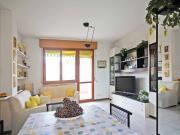 APPARTAMENTO A SENIGALLIA: zona Viale dei Pini, secondo piano di mq. 74 (soggiorno/cucina, due camere, bagno) + ampio terrazzo coperto e garage. Eu. 220.000,00