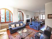 CASA A OSTRA VETERE: In posizione riservata, villa mq. 350 su 2 livelli + mq. 50 garage e mq. 4.000 giardino recintato e piantumato ad alto fusto - PRESTIGIOSA