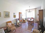 APPARTAMENTO A SENIGALLIA : zona Portone, secondo piano, 145 mq lordi (ingresso, salotto, cucina, quattro camere da letto, bagno, ripostiglio con lavanderia, due balconi) + soffitta e ampio garage.