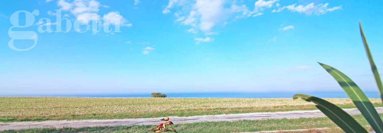 Fotografia principale Immobile[SV03594]: MARINA DI MONTEMARCIANO: Casetta indipendente di mq.  55 (soggiorno/cucina, due camere, due bagni) + pergolato e giardino di mq. 350. Vista mare. - EURO 140.000,00.