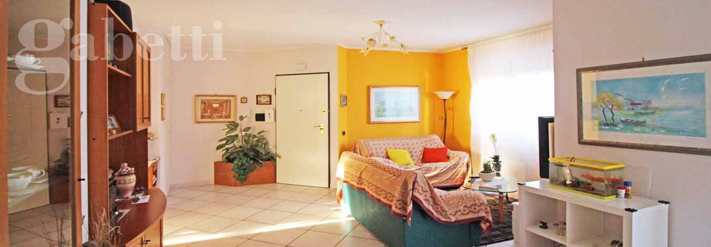 Fotografia principale Immobile[SV03611]: APPARTAMENTO A SENIGALLIA: prima periferia, secondo piano di mq 90 (soggiorno con terrazzo, cucina, tre camere, due bagni) + soffitta mq 55 (monolocale con bagno) + garage € 290.000,00