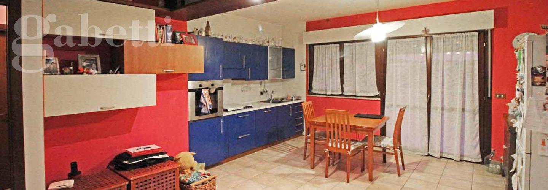 Fotografia principale Immobile[SV03624]: APPARTAMENTO A MARZOCCA: primo piano di mq. 78 (soggiorno/cucina, due camere, bagno) + terrazzo e garage. - EURO 150.000,00