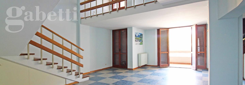 Fotografia principale Immobile[SV03781]: APPARTAMENTO A SENIGALLIA: A m. 50 dalla Rotonda, appartamento di mq. 94 su due piani (soggiorno, cucina, 2 camere, bagno) + due balconi - EURO 190.000,00